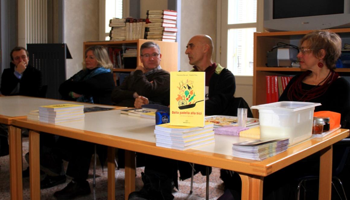 """Presentato a Laveno il libro """"Dalla Padella alla Bici – 50 ricette per fughe golose"""""""