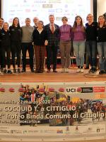 """(Italiano) Grande successo a Caldana di Cocquio Trevisago (VA) per il """"talk show"""" sul ciclismo femminile"""
