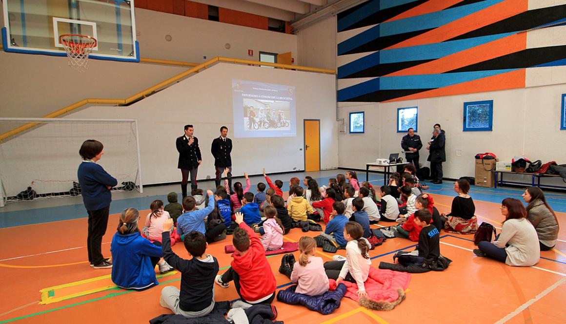 """Grande successo per il progetto scolastico: """"Pedala, Pedala… in Sicurezza!"""" nelle scuole di Gemonio e Cittiglio"""